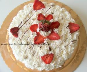 torta panna-fragole4